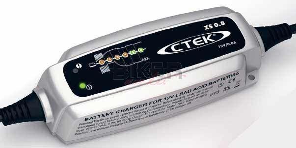 XS 0.8 12V 1.2A Caricabatterie 32 A 6 stadi CTEK